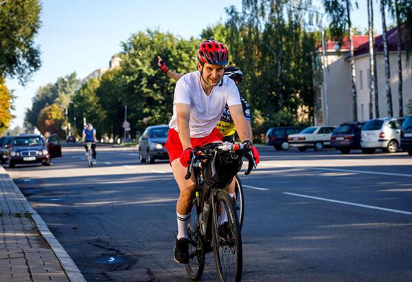 Доцент кафедры химии БГСХА Константин Седнев собирался в 2020 году участвовать в соревнованиях по триатлону (плавание, езда на велосипеде и бег), но по итогу год (как и у многих) пошел не по плану.