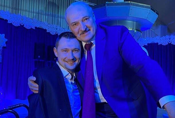Конституционная комиссия впервые собралась в Минске 15 марта – на совещании уАлександра Лукашенко. Еще на прошлой неделе глава Конституционного суда Пётр Миклашевичговорил, что комиссии пока нет.
